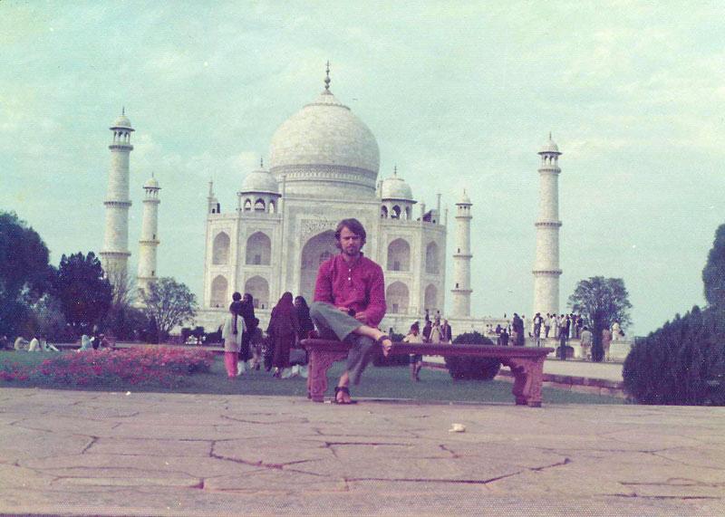 http://www.indiaoverland.biz/overland/forum-img3/Swagman-70s-1.jpg
