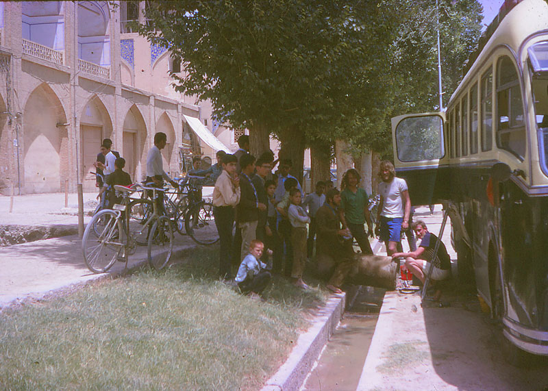 http://www.indiaoverland.biz/overland/forum-img3/Swagman-70s-4.jpg