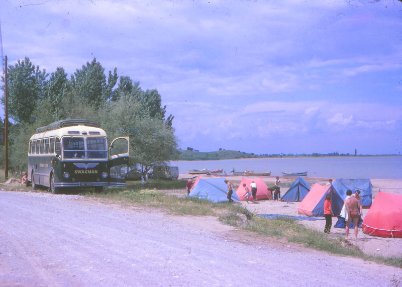 http://www.indiaoverland.biz/overland/forum-img3/Swagman-70s-7.jpg